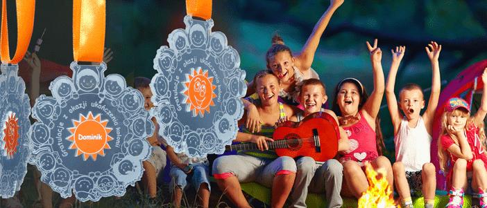 Medale dla dzieci na letniej kolonii