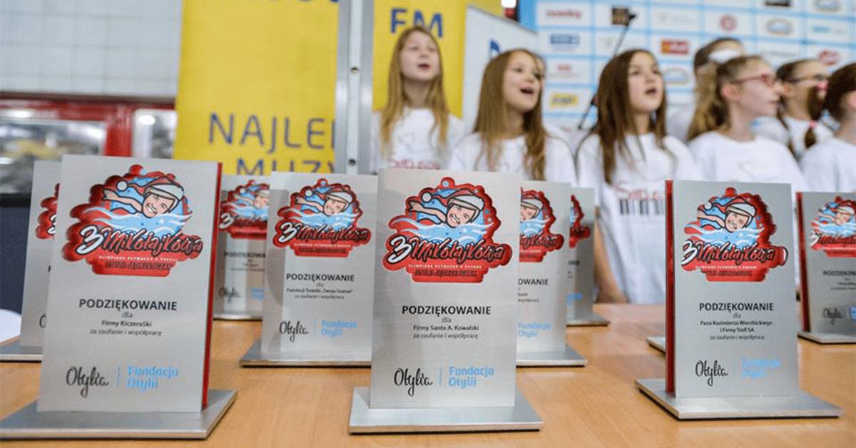 Statuetki sportowe III Mikołajkowa Olimpiada Pływacka 2017