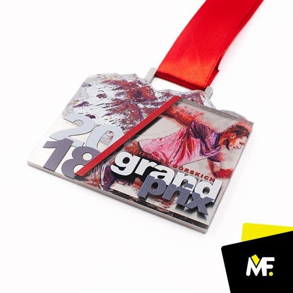 Kolorowy medal dlabiegaczy, produkcji Modern Forms