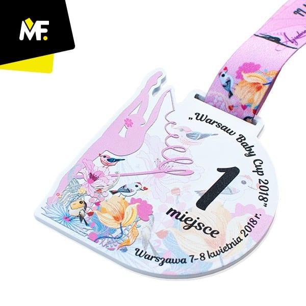 Kolorowy medal gimnastyka, produkcja Modern Forms