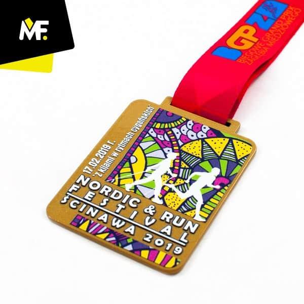 Kolorowy medal Nordic Run, produkcja Modern Forms