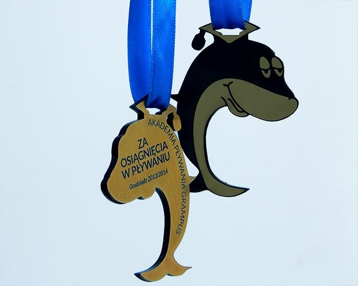 Medale dladzieci wkształcie delfina