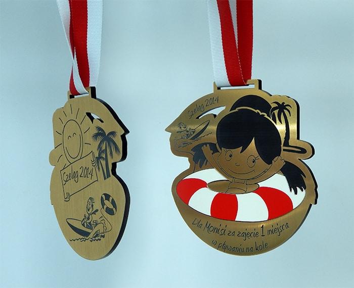 Okolicznościowy medal łączony zlaminatu grawerskiego